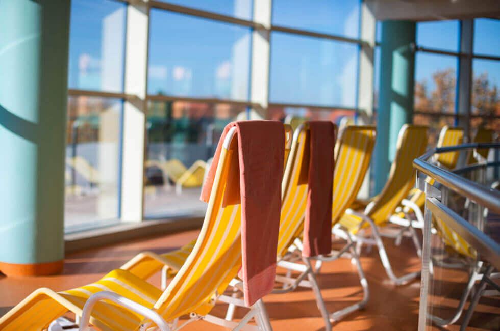 Sonnengalerie der Badelandschaft im Vier-Sterne Gesundheitshotel