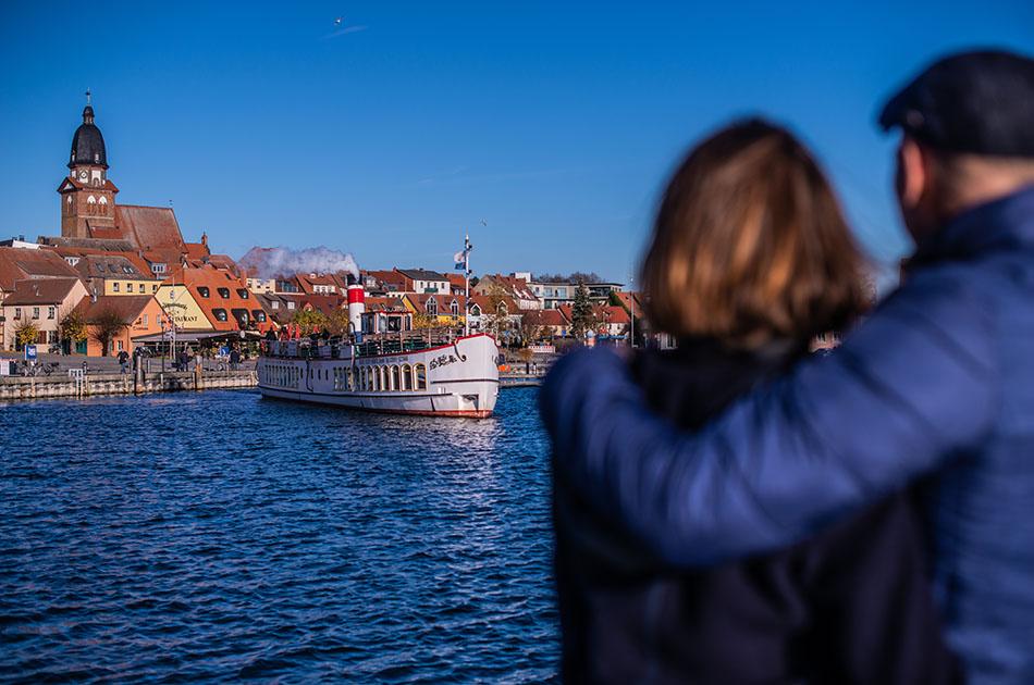 Dampfer: Hafen Waren (Müritz)